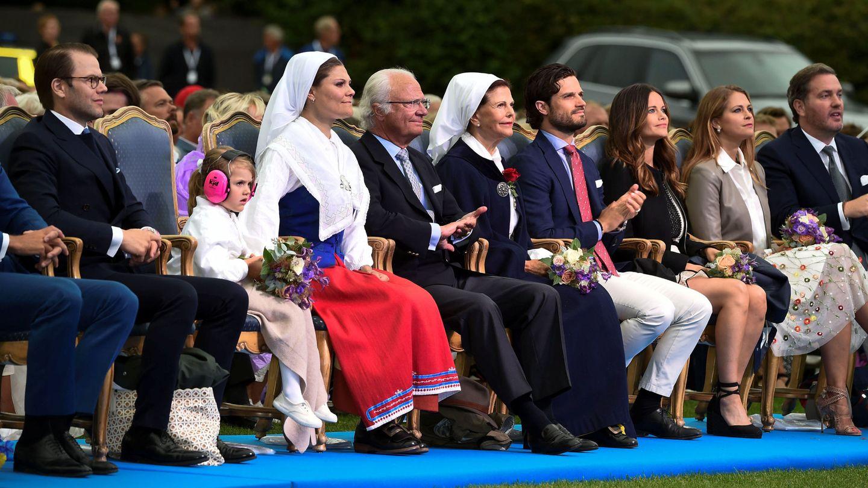 La familia real, celebrando el Día de Victoria. (Reuters)