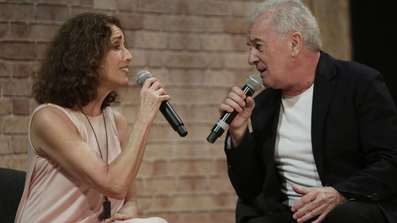 Ana Belén y Víctor Manuel, cantando en la presentación del Festival de Cartagena. (EFE)