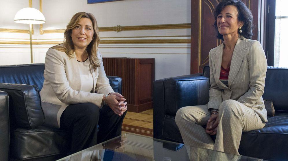 Foto: La presidenta de la Junta de Andalucía, Susana Díaz (i), y la presidenta del Banco de Santander, Ana Patricia Botín. (EFE)