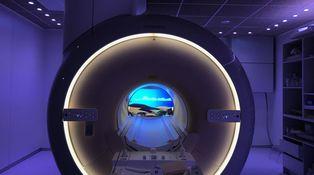 Dibujos animados dentro de la resonancia magnética para entretener a los niños
