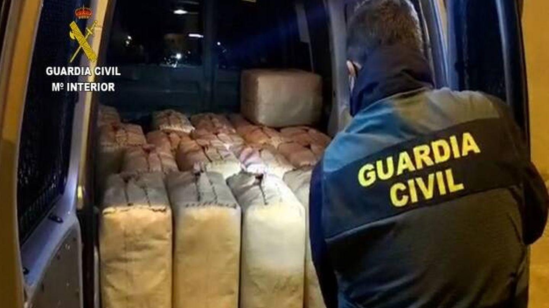 Parte de la droga incautada en la operación Palo. (Guardia Civil)