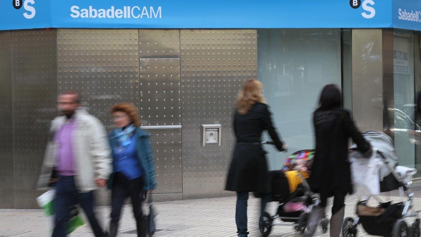 Noticias banco sabadell el mexicano mois s el mann pone a for Oficinas bancsabadell