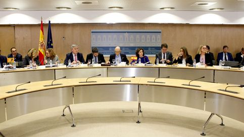 Hacienda descarta condonar deuda autonómica, pero se abre a aplazar los pagos