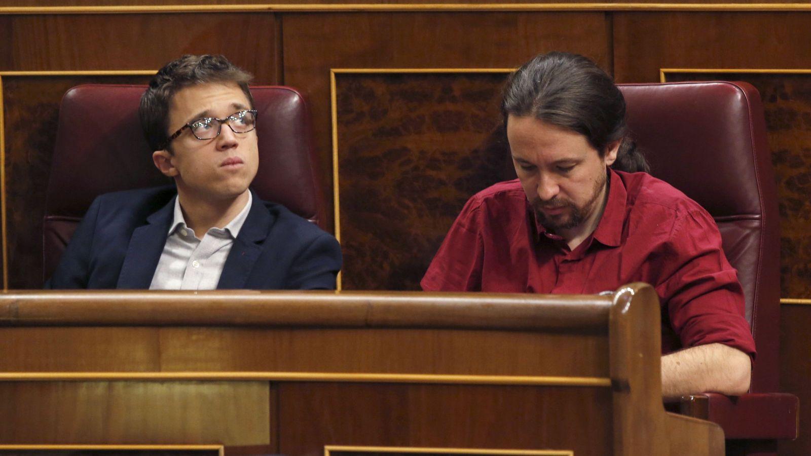 Foto: El líder de Podemos, Pablo Iglesias (d), y el portavoz en el Congreso del partido, Íñigo Errejón. (EFE)