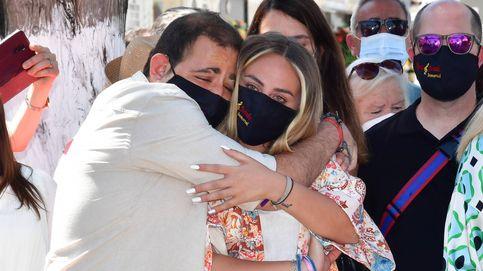 Rocío y David Flores: lo que hicieron en Chipiona antes y tras el homenaje a su abuela