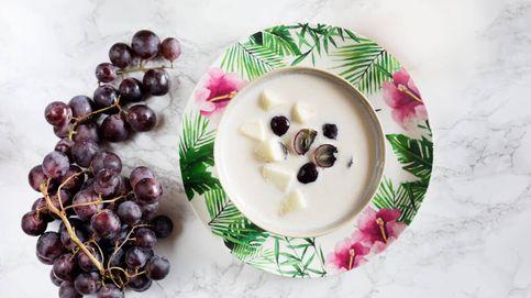 Ajoblanco con uvas y manzana, sopa fría de contrastes de frutos secos y fruta