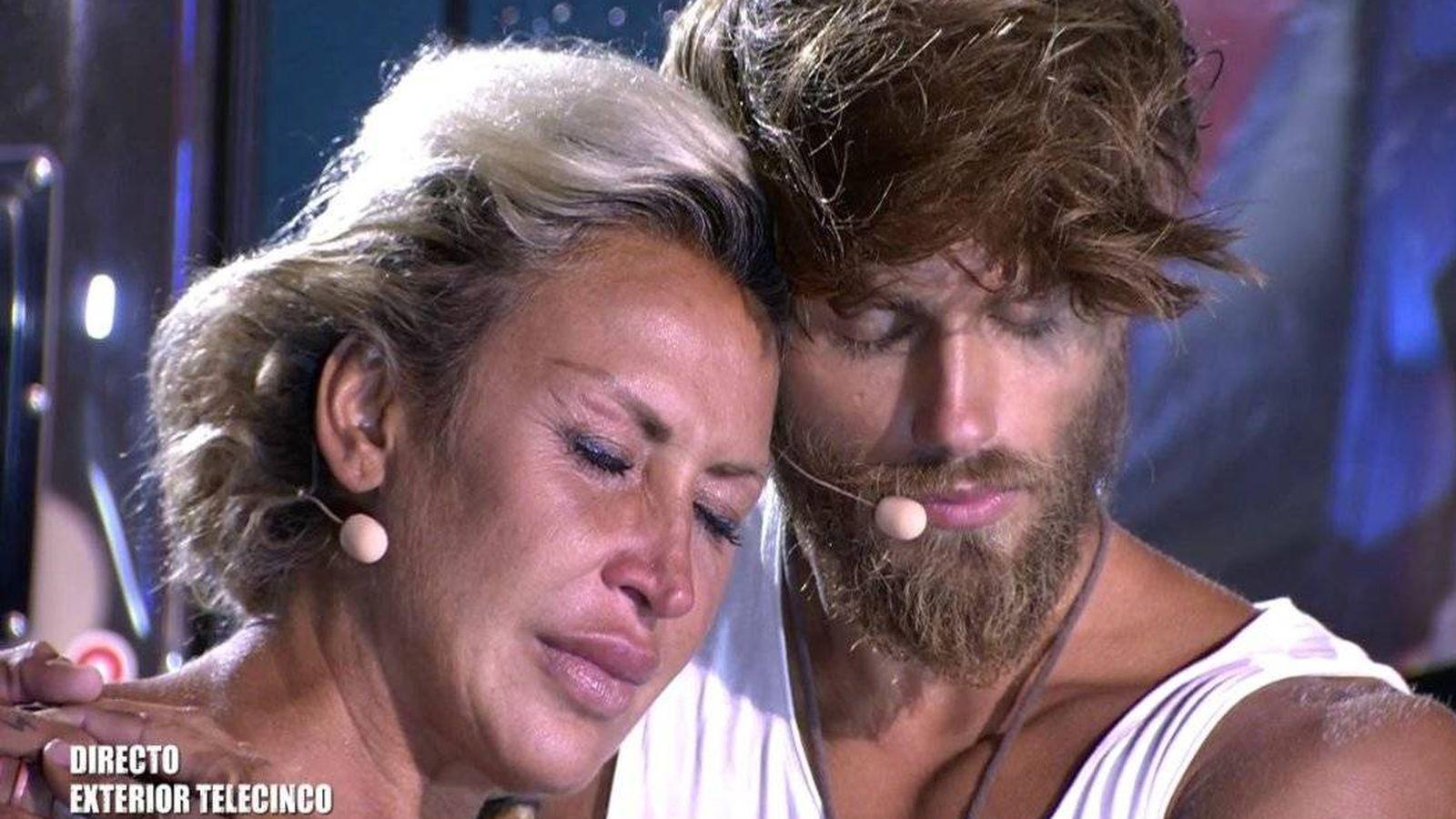 Foto: Raquel, finalista de 'Supervivientes' tras expulsar a Sergio'. (Telecinco)