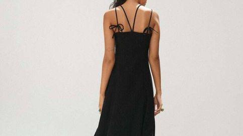 Pon el broche de oro a tu armario de verano con el vestido negro más ponible de Zara