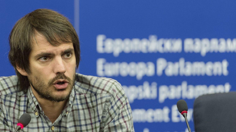 El eurodiputado de Iniciativa per Catalunya Verds (ICV) Ernest Urtasun, durante una rueda de prensa en el Parlamento Europeo en Estrasburgo. (EFE)