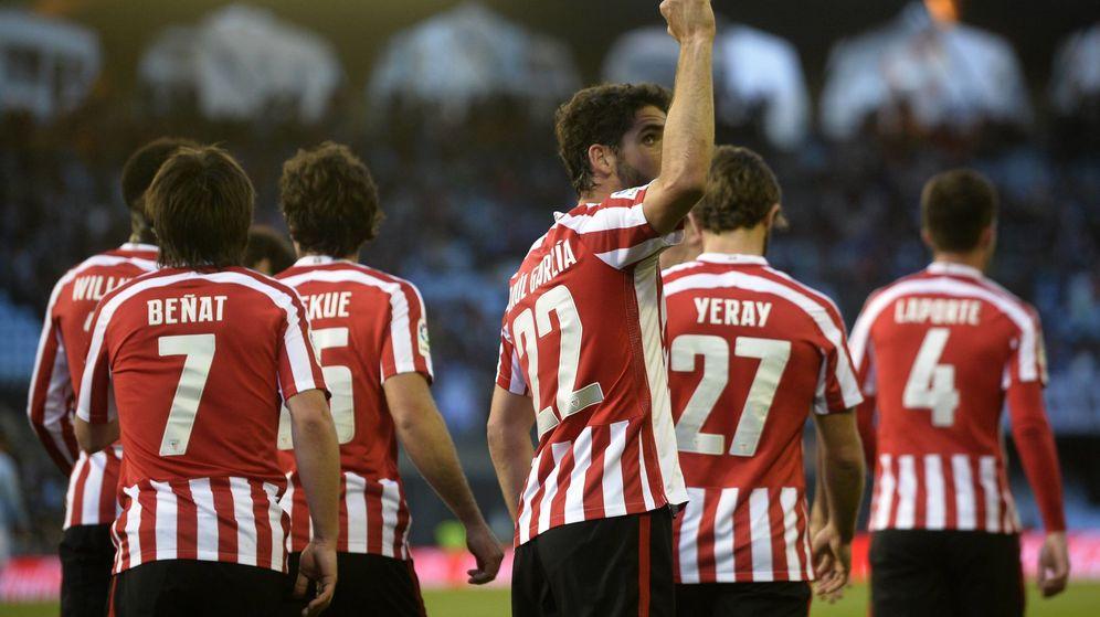 9887f42587eda Foto  Los jugadores del Athletic celebran un gol durante la pasada  temporada. (Cordon