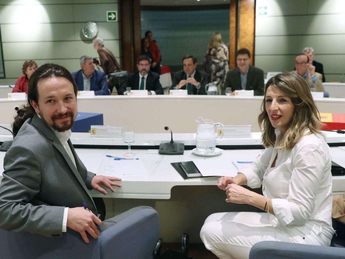 Foto: Pablo Iglesias y Yolanda Díaz, con las patronales agrarias. (EFE)
