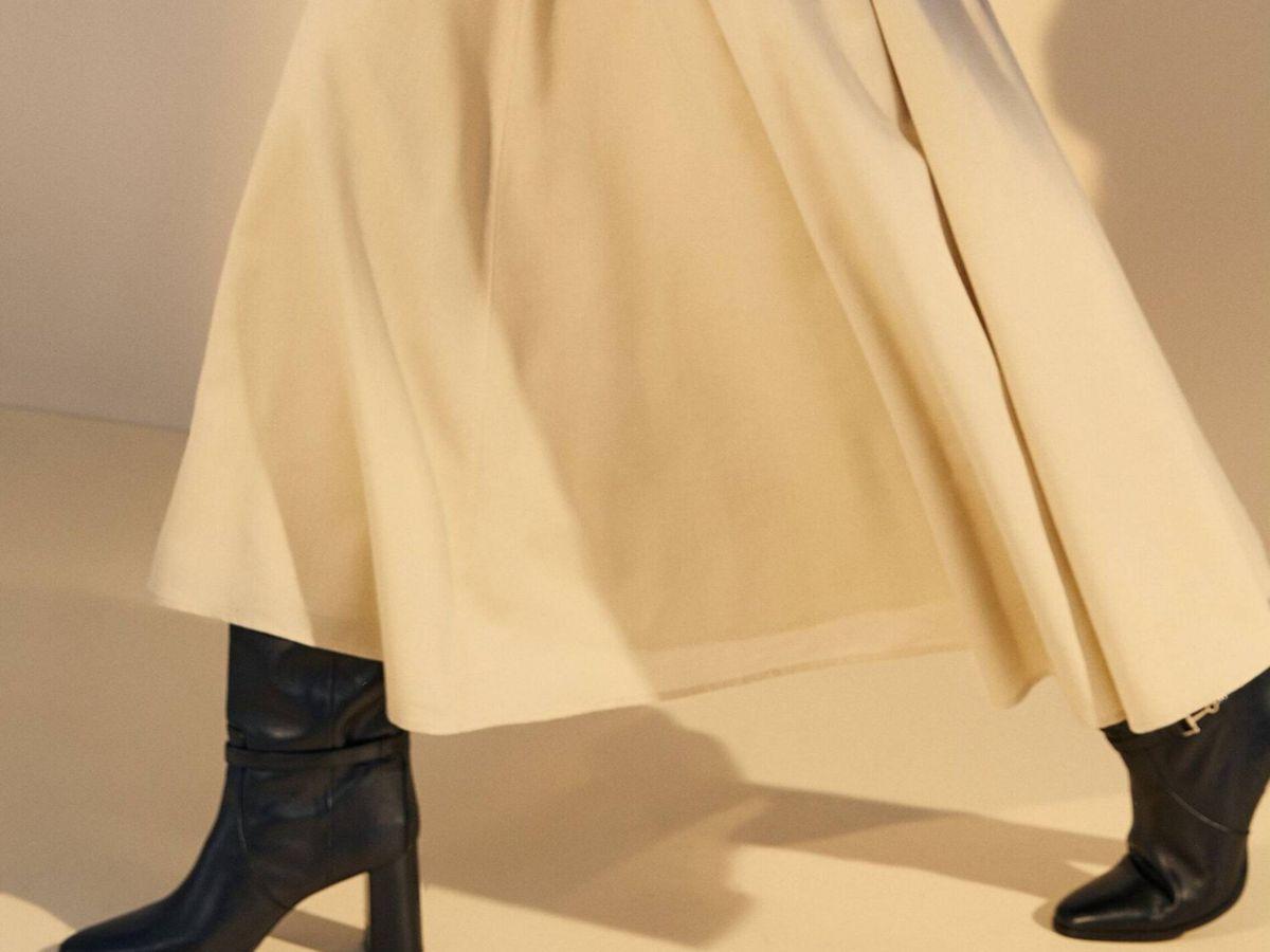 Foto: La falda plisada de Massimo Dutti. (Cortesía)