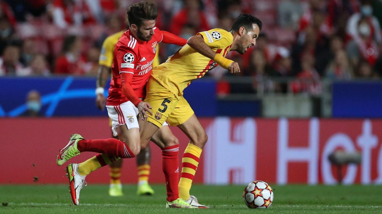 Los últimos partidos del Barça han sacado a relucir la peor versión de Busquets. (Reuters)