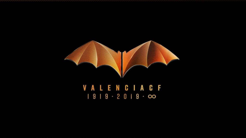 El Valencia CF firma la paz con Batman: el murciélago del centenario ya es legal