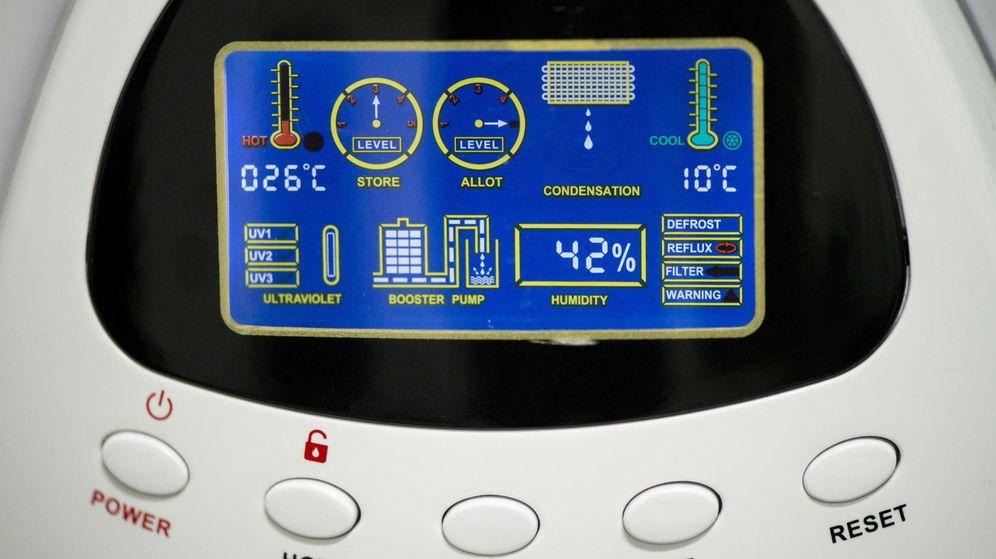 Foto: Las máquinas de condensación convierten el aire en agua. (EFE)