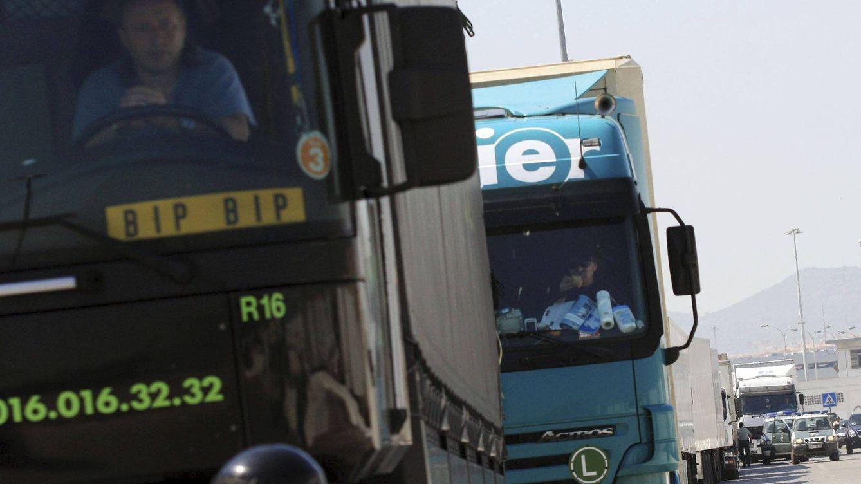Foto: Camiones en el puerto de Algeciras. (Efe)
