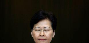 Post de Al borde de las lágrimas, la líder de Hong Kong avisa: