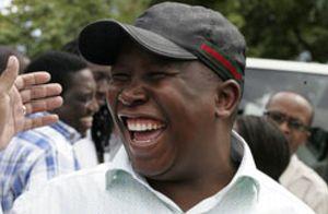 Joven, comunista, racista… Así es Julius Malema, el Hugo Chávez de Sudáfrica