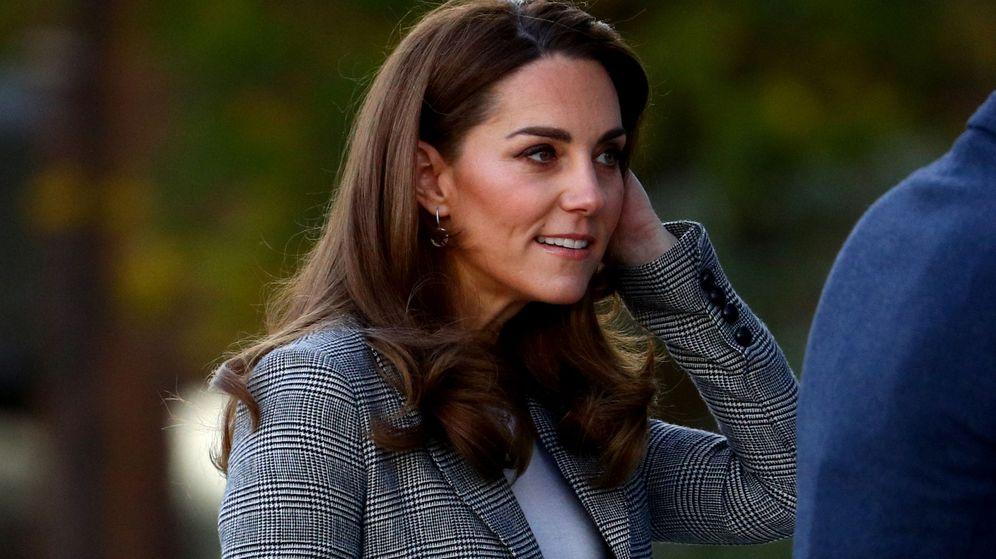 Foto: Kate Middleton, a su llegada al evento de voluntarios de Give Me a Shout. (Reuters)