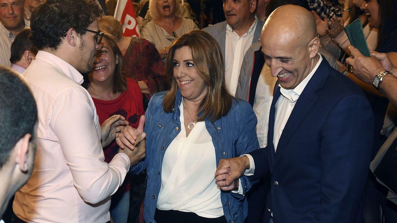 Susana Díaz, este 4 de mayo en León junto al secretario local, José Antonio Díez (d.). (EFE)