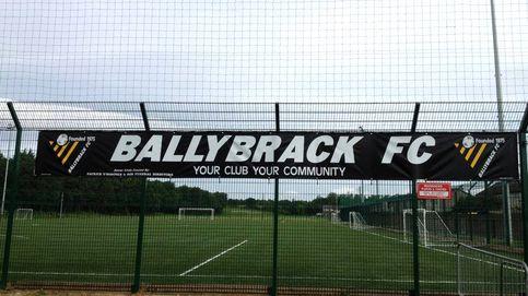 Un equipo irlandés finge la muerte de un exjugador español y suspende un partido