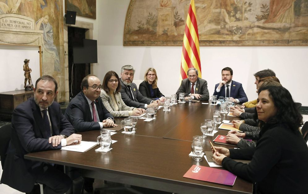 Foto: Quim Torra, Pere Aragonès y Elsa Artadi encabezan la segunda reunión de la mesa de diálogo de fuerzas catalanas, este 5 de febrero. (EFE)