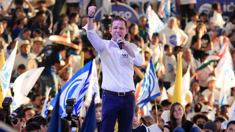 El candidato conservador de la Coalición Por México al Frente, Ricardo Anaya, en el cierre de campaña en la ciudad de León, Guanajuato. (EFE)