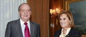 Foto: El Rey expresa a Núria de Gispert su interés por la crisis en Cataluña