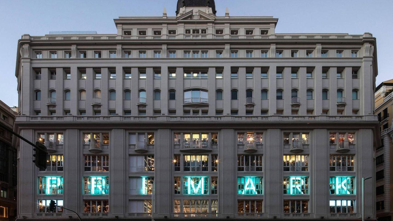 Los 400 trabajadores de este centro en la capital cobran 13.000 euros brutos anuales. (Foto: Primark)