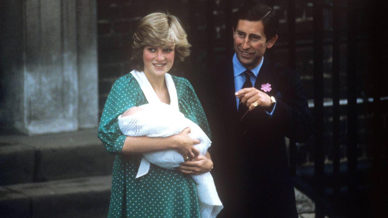 Presentación del príncipe Guillermo, en 1982. (Cordon Press)