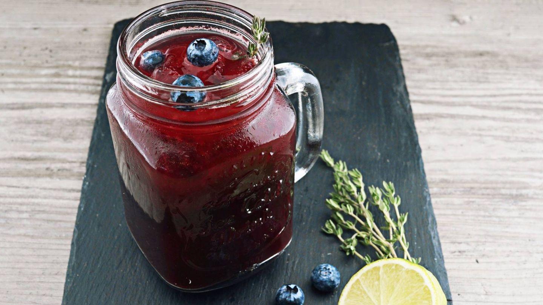 Las dietas detox recomiendan consumir mucho líquido (Wesual Click para Unsplash)