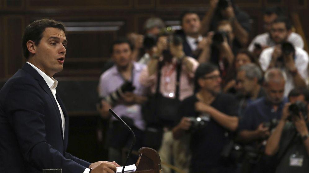 Foto: El líder de Ciudadanos, Albert Rivera, durante su intervención en la moción de censura. (EFE)