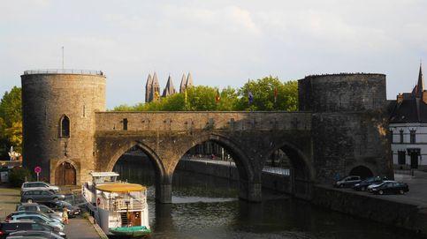 Bélgica derriba parte de un puente medieval para permitir el paso de cruceros