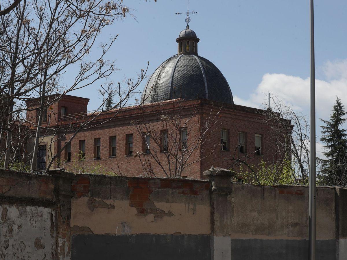 Foto: Vista general de la residencia de ancianos Santísima Virgen y San Celedonio en Madrid. (EFE)