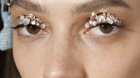 Cómo llevar (bien) el maquillaje con aplicaciones y brillar sin caer en excesos