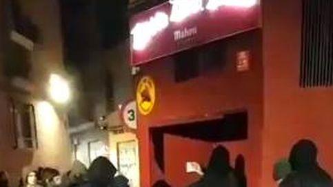 Un grupo de radicales antifascistas da una brutal paliza a una joven en Murcia