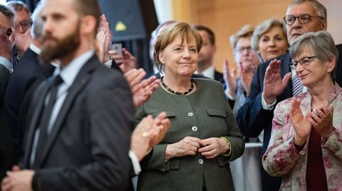 Merkel busca retrasar más el Brexit pero Macron exige a UK un plan alternativo