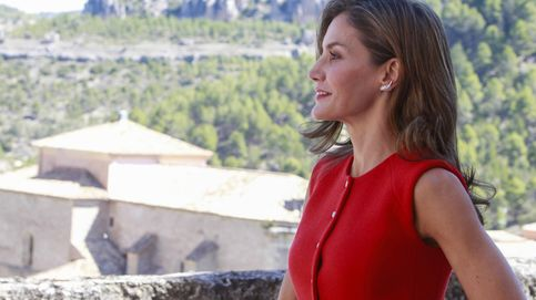 Letizia, una 'lady in red' para codearse con Pablo Motos y Concha Velasco