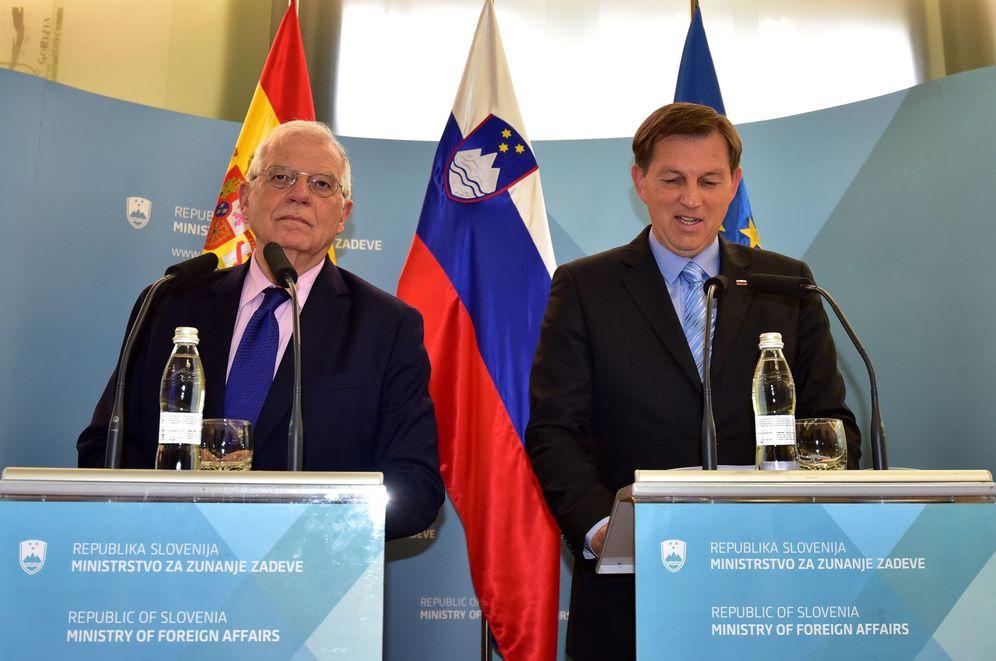 Foto: El ministro español de Exteriores, Josep Borrell (i), y su homólogo esloveno, Miro Cerar (d), ofrecen una rueda de prensa tras su reunión este martes en el Palacio Presidencial en Liubliana, Eslovenia. (EFE)