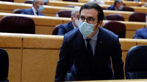 Garzón arremete contra la monarquía al asegurar que maniobra contra el Gobierno