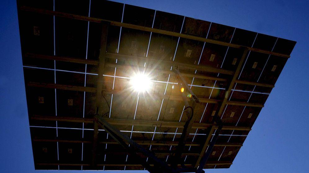 Foto: Detalle de uno de los módulos de la instalación fotovoltaica con seguidores solares mayor del mundo.