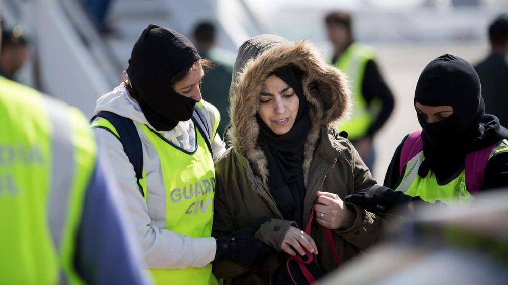 Foto: En la imagen, la mujer detenida en el mes de marzo en Barcelona por querer unirse al Estado Islámico. (Efe)