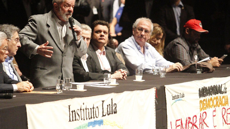 El expresidente de Brasil Luiz Inacio Lula da Silva participa en el lanzamiento del museo digital 'Memorial de la Democracia' en el Palacio de las Artes de Belo Horizonte (Brasil).