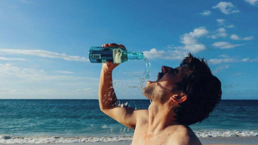 Foto: Beber agua es importante después de hacer deporte, pero no debe ser muy fría (Foto: PxHere)