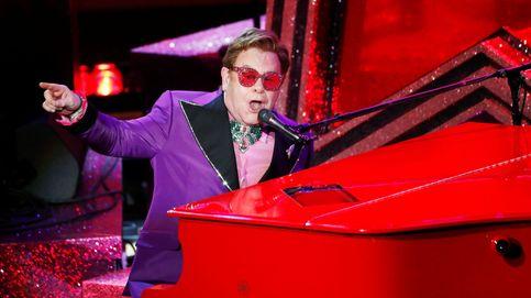 Elton John retrasa su gira europea de despedida hasta 2023