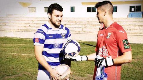 ¿Qué ocurre cuando un futbolista profesional patea un balón de rugby?