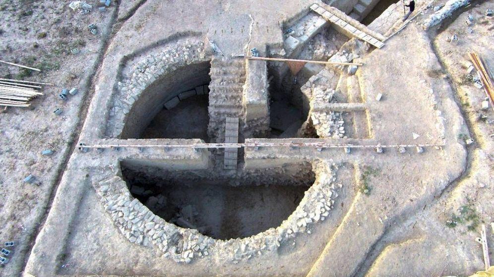 Foto: Vista aérea de las tumbas. (UC Classics)