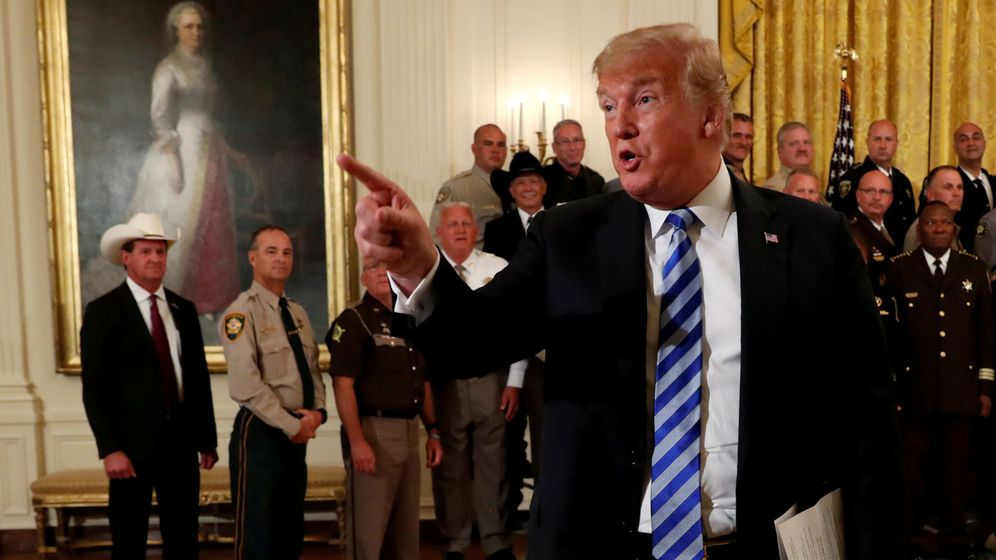 Foto: Donald Trump habla durante un encuentro con 'sheriffs' de todo el país en la Casa Blanca, el 5 de septiembe de 2018. (Reuters)