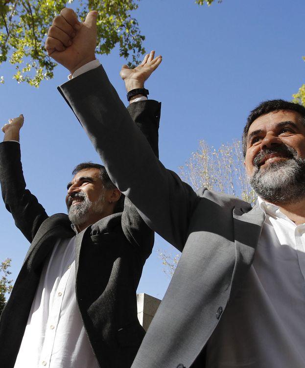 Foto: Los presidentes de Òmnium y ANC, Jordi Cuixart y Jordi Sànchez. (EFE)