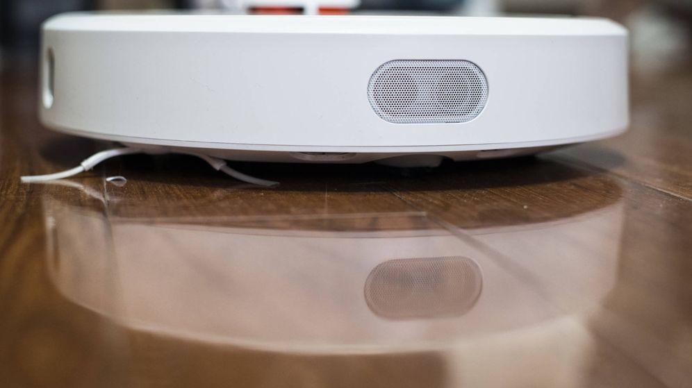 Foto: El radar ultrasónico del Mi Robot Vacuum preside la zona frontal. (Z. A.)